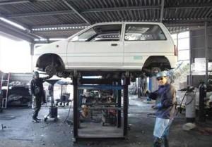 Car Breaking in Workshop